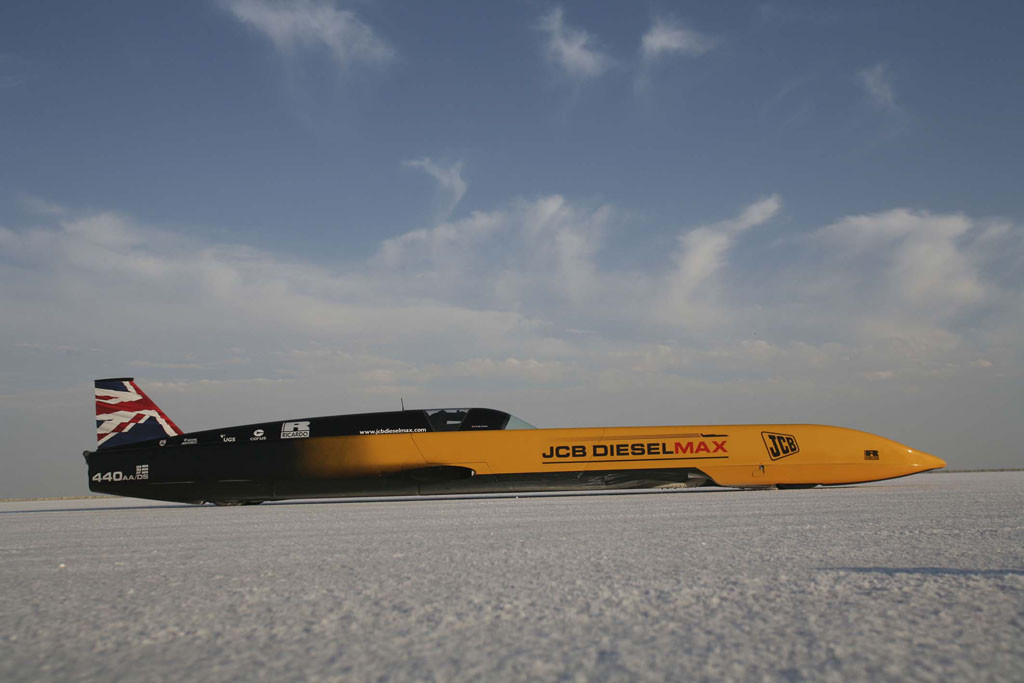 3_Flashback to 2006 - the JCB Dieselmax car on the Bonneville Salt Flats