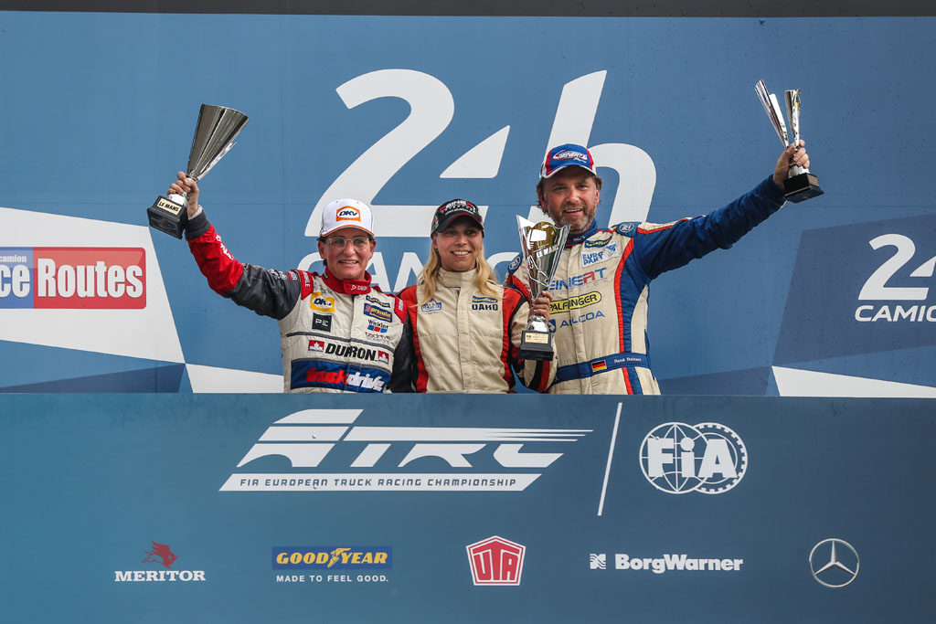 Steffi Halm (center) and René Reinert finish the season successfully in Le Mans.
