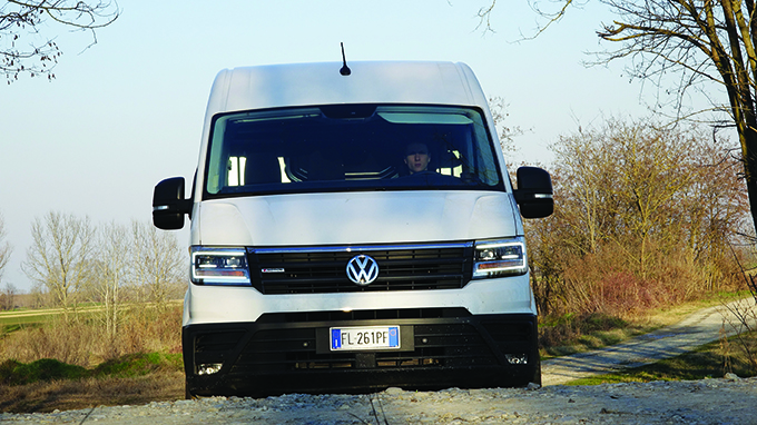 Volkswagen Crafter visione frontale